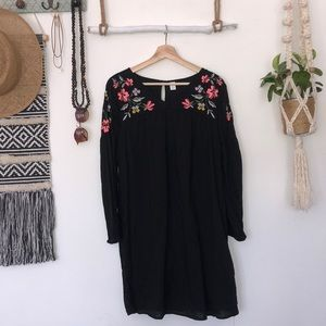 Old navy black floral embroidered tunic dress
